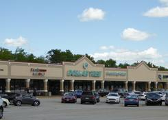 Shoppes at Woodruff: